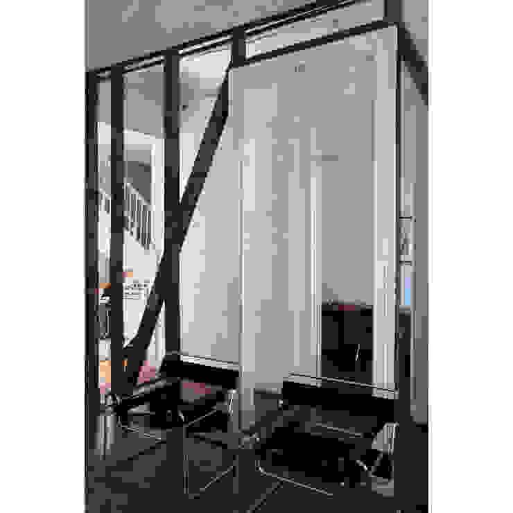 Casa Santa Isabel Livings de estilo moderno de Crescente Böhme Arquitectos Moderno Madera Acabado en madera