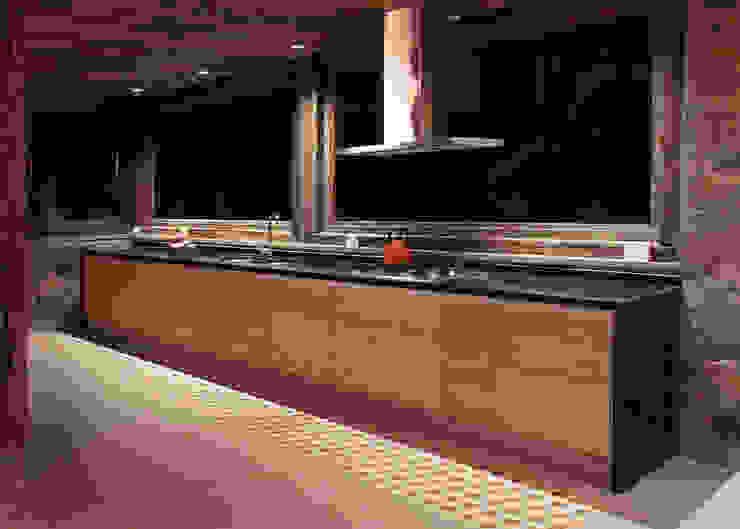 Casa Caleu II, Quincho Crescente Böhme Arquitectos Cocinas equipadas Madera Acabado en madera