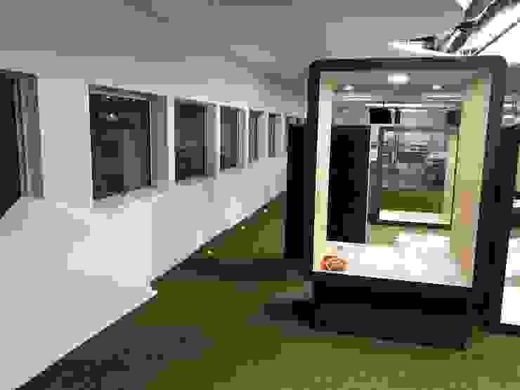 New Dawn Learning Studio by Singapore Carpentry Interior Design Pte Ltd Modern