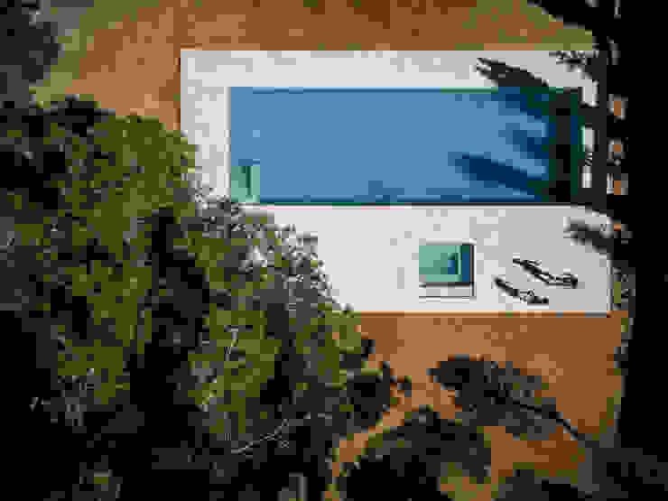 FRAN SILVESTRE ARQUITECTOS Śródziemnomorski basen