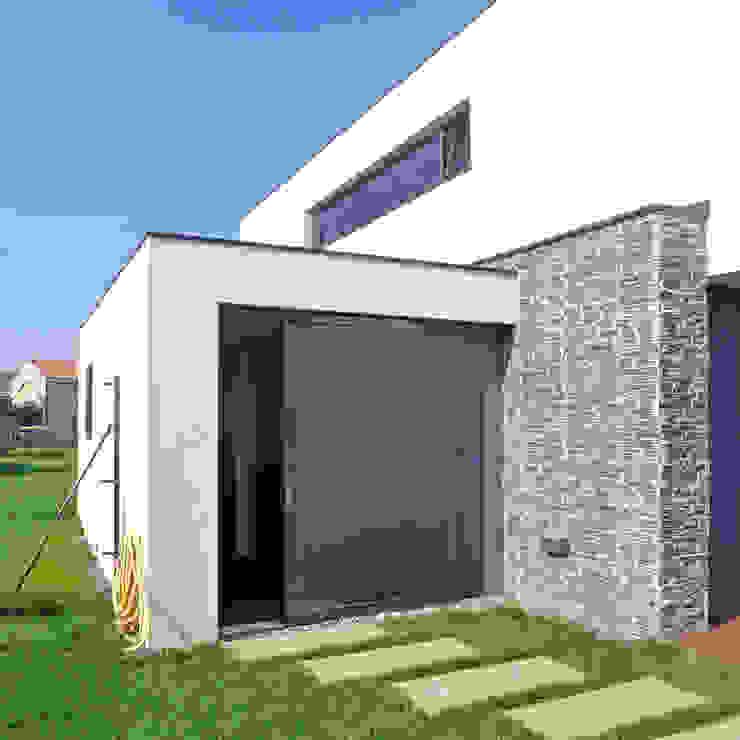 Vivienda en Pravio Casas de estilo moderno de AD+ arquitectura Moderno Piedra