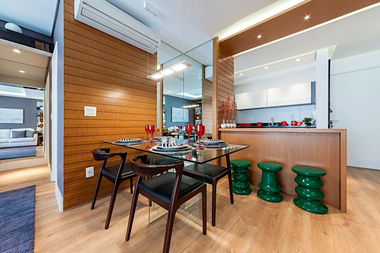 Modern dining room by Larissa Lieders Arquitetura + Interiores Modern Wood Wood effect