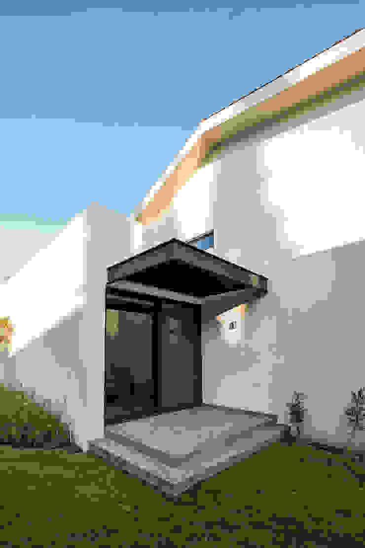 Modern Terrace by 2M Arquitectura Modern