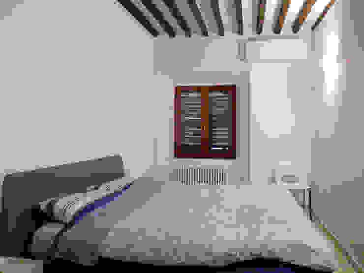 Dormitorios de estilo minimalista de Studio di Architettura IATTONI Minimalista