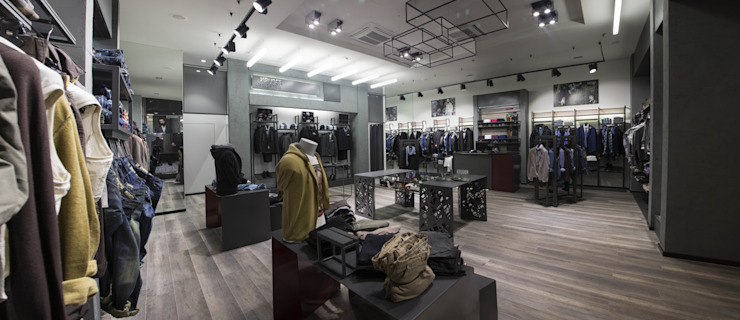 Progettazione locale commerciale a Roma per abbigliamento uomo – Kruder DUOLAB Progettazione e sviluppo Negozi & Locali Commerciali