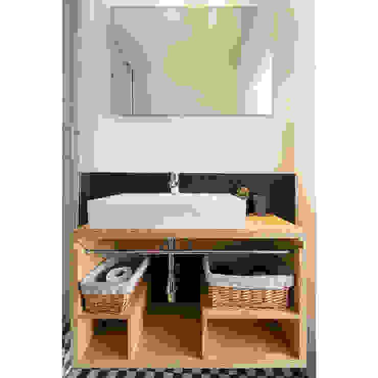 Baños de estilo moderno de Crescente Böhme Arquitectos Moderno Madera Acabado en madera
