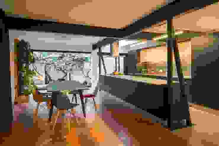 Casa El Bosque Comedores de estilo minimalista de Crescente Böhme Arquitectos Minimalista Madera Acabado en madera