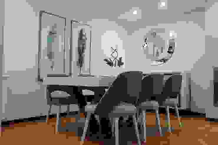 Mesa de jantar extensível por Alma Braguesa Furniture Moderno Derivados de madeira Transparente