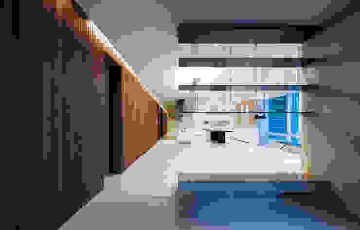 Design Tomorrow INC. Ruang Keluarga Modern