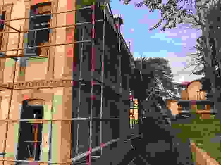Classic style houses by Öykü İç Mimarlık Classic