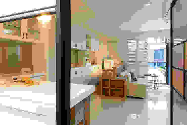 幸福 根據 松泰室內裝修設計工程有限公司 鄉村風 實木 Multicolored