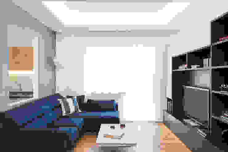 Salas de estilo minimalista de Grippo + Murzi Architetti Minimalista