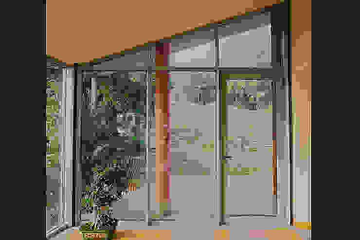 Serramenti in Acciaio Inox a Torino FG FALSONE Finestre & Porte in stile moderno Ferro / Acciaio Variopinto