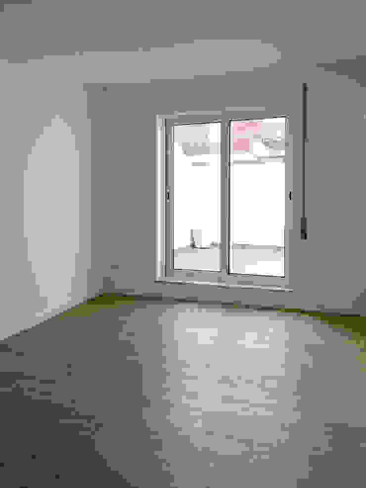 Moderne Wohnzimmer von GAAPE - ARQUITECTURA, PLANEAMENTO E ENGENHARIA, LDA Modern