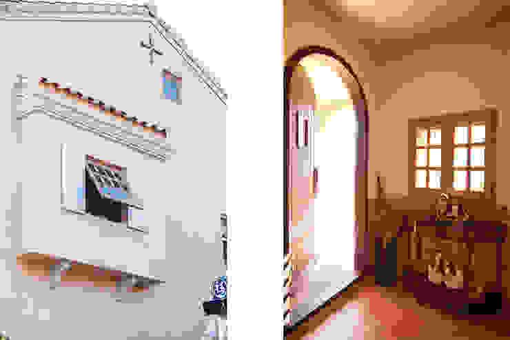 (주)메이드 Pasillos, vestíbulos y escaleras de estilo mediterráneo Beige