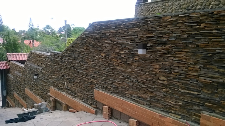 by Rebello Pedras Decorativas Rustic Stone