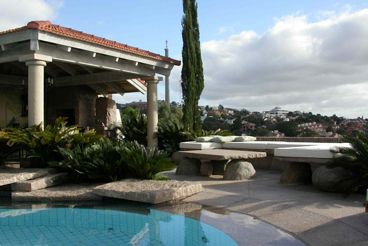 Raul Hilgert Arquitetura de Exteriores Garden Pool Granite Grey