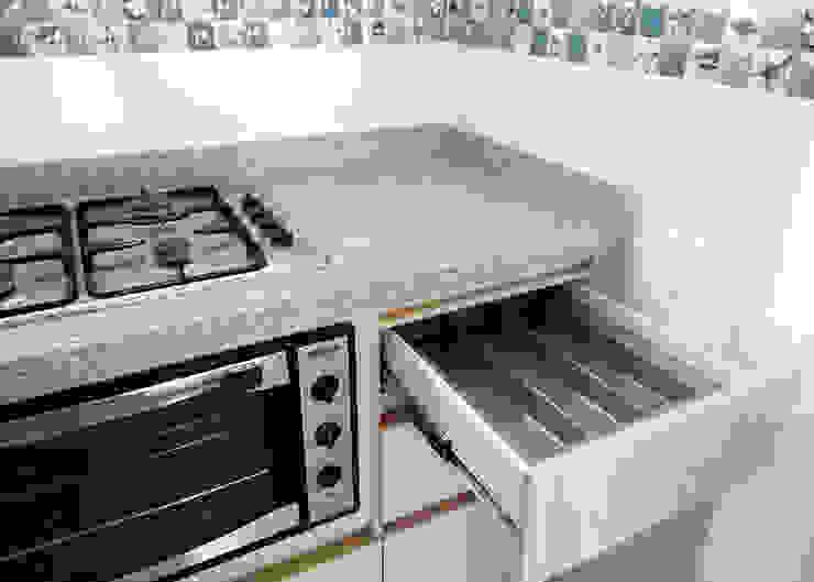 Cubiertero cocina integral de Remodelar Proyectos Integrales Moderno Tablero DM
