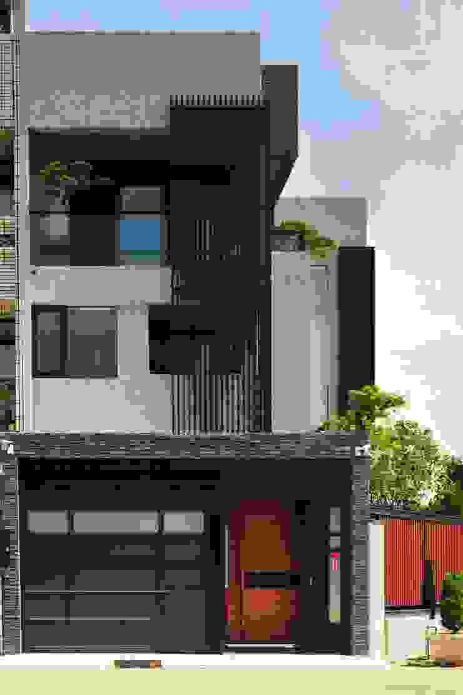 外觀整建 長安 WL House 根據 黃耀德建築師事務所 Adermark Design Studio 簡約風 金屬