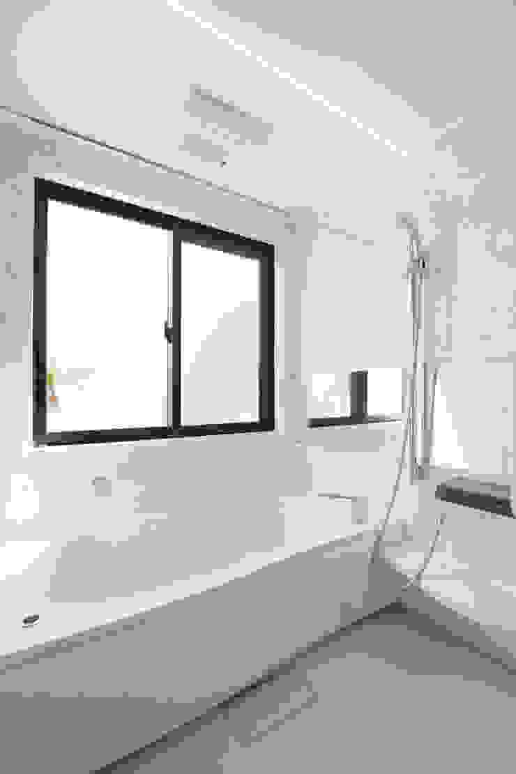 浴室: Style Createが手掛けた現代のです。,モダン