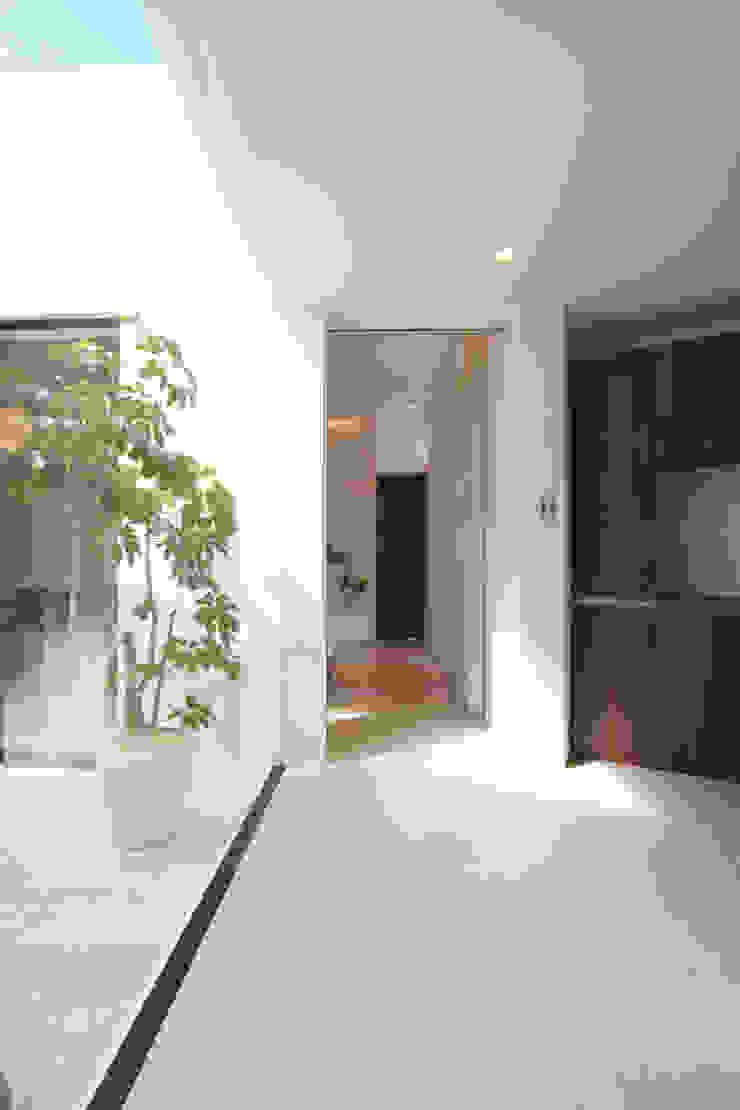 玄関ホール モダンスタイルの 玄関&廊下&階段 の Style Create モダン