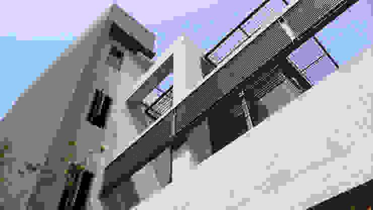 建築物背立面 根據 黃耀德建築師事務所 Adermark Design Studio 簡約風