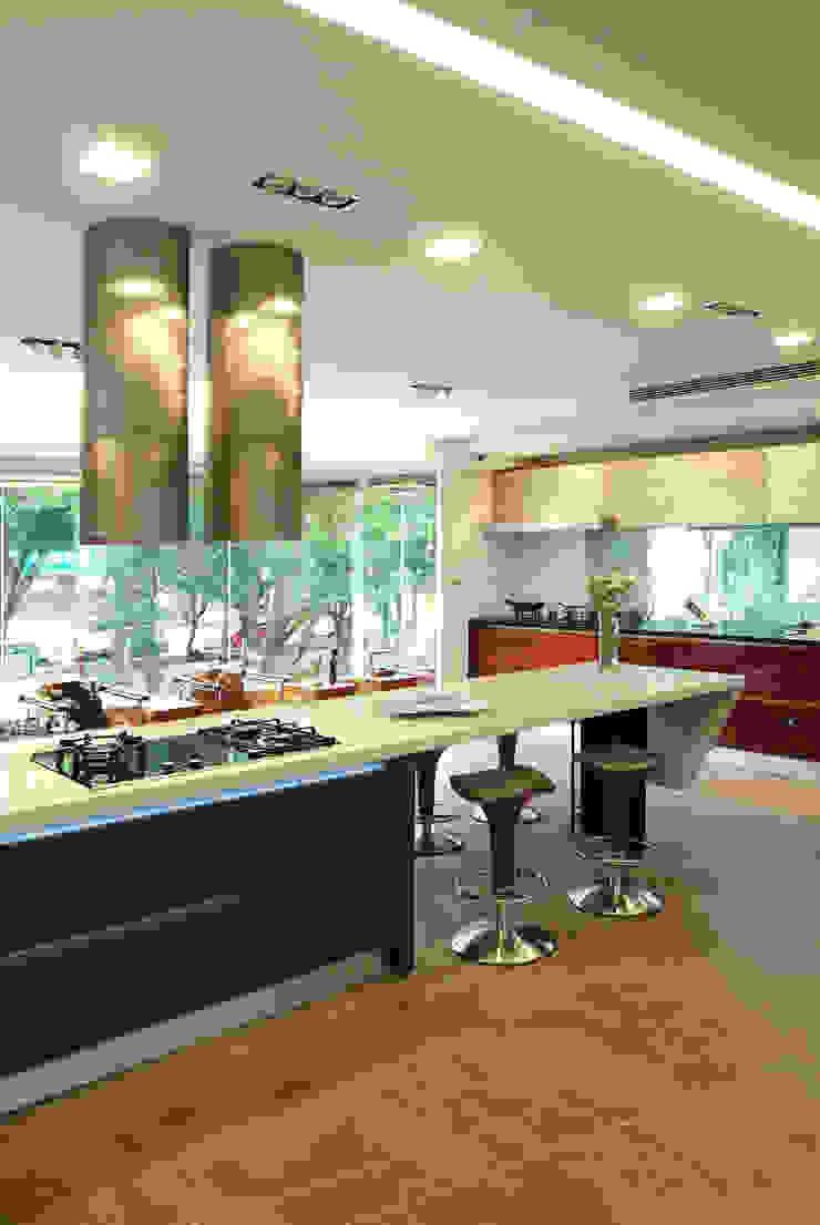 室內設計  德爵廚具體驗館: 現代  by 黃耀德建築師事務所  Adermark Design Studio, 現代風
