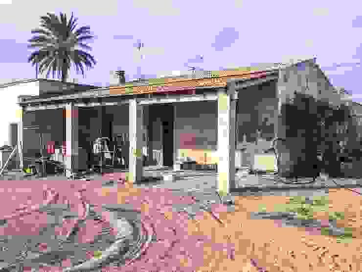Estado previo a la rehabilitación - fachada Francisco Pomares Arquitecto / Architect Casas de estilo rural