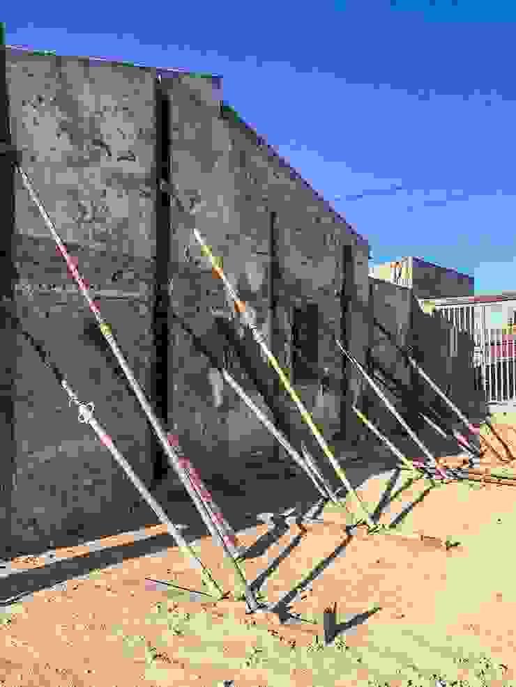 Proceso de obra - consolidación de muros 2 Francisco Pomares Arquitecto / Architect Casas de estilo rural