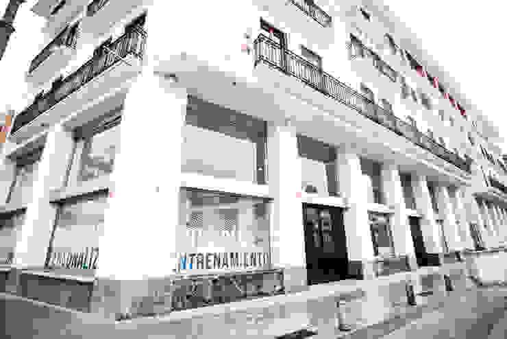 ARREL arquitectura Minimalist clinics