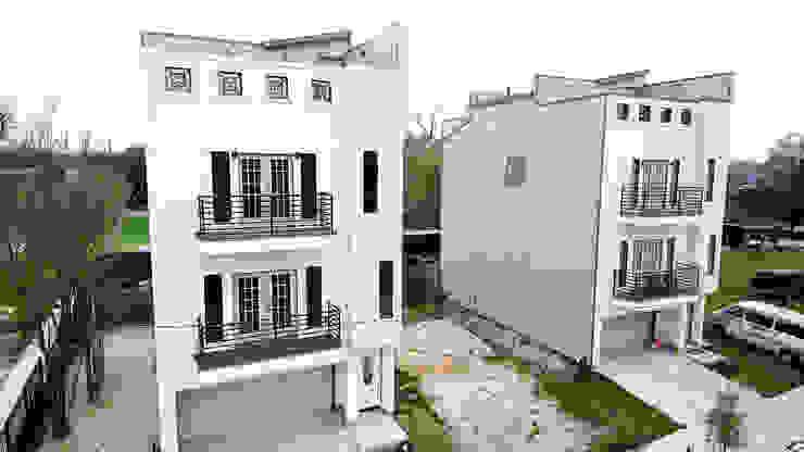 Villas at Robertson de Banda & Soldevilla Arquitectos