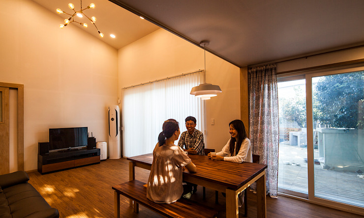 Dining room by 더 이레츠 건축가 그룹