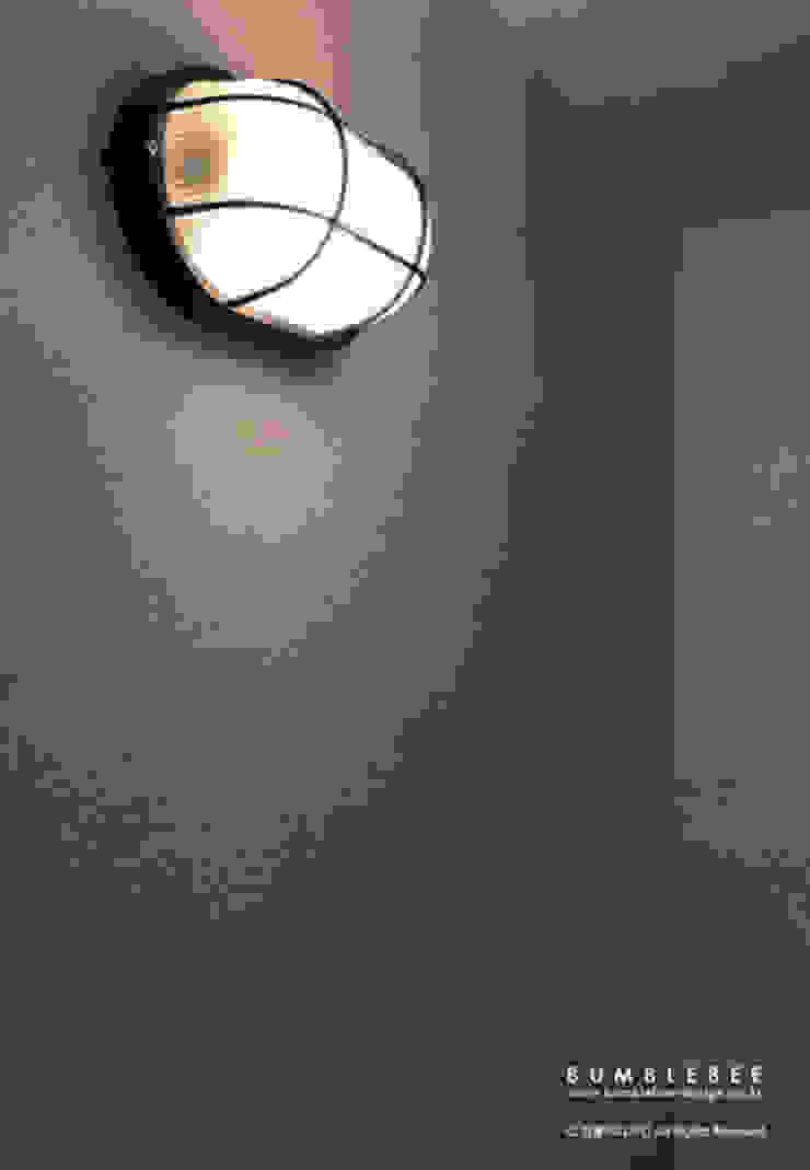 [30평]단 하나뿐인 나만의 공간 홈 인테리어 양재동파크사이드의 풀스토리 by 범블비디자인 30평대인테리어 에클레틱 발코니, 베란다 & 테라스 by 범블비디자인 에클레틱 (Eclectic)