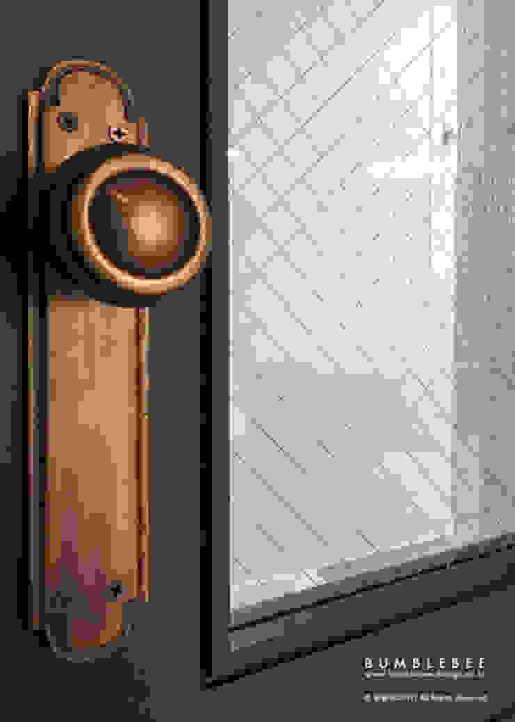 [30평]단 하나뿐인 나만의 공간 홈 인테리어 양재동파크사이드의 풀스토리 by 범블비디자인 30평대인테리어 by 범블비디자인 에클레틱 (Eclectic)