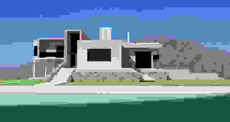 by Arquitecto Manuel Daniel Vilte Minimalist