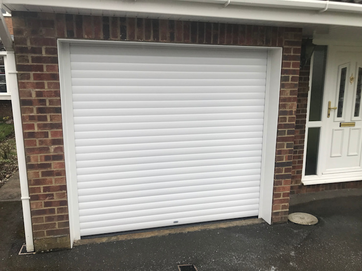 Give your bike pride of place in this tidy and organised garage by Garageflex Classic