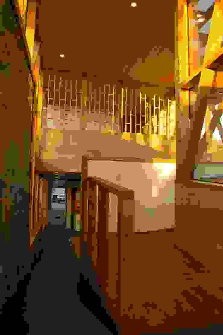 Hall de entrada Pasillos, vestíbulos y escaleras modernos de PhilippeGameArquitectos Moderno Concreto