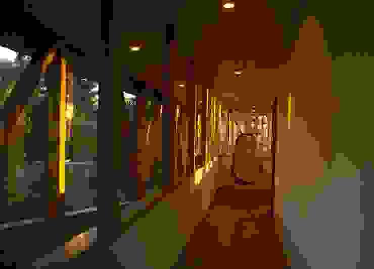 Estudio Oficinas y bibliotecas de estilo moderno de PhilippeGameArquitectos Moderno Madera Acabado en madera