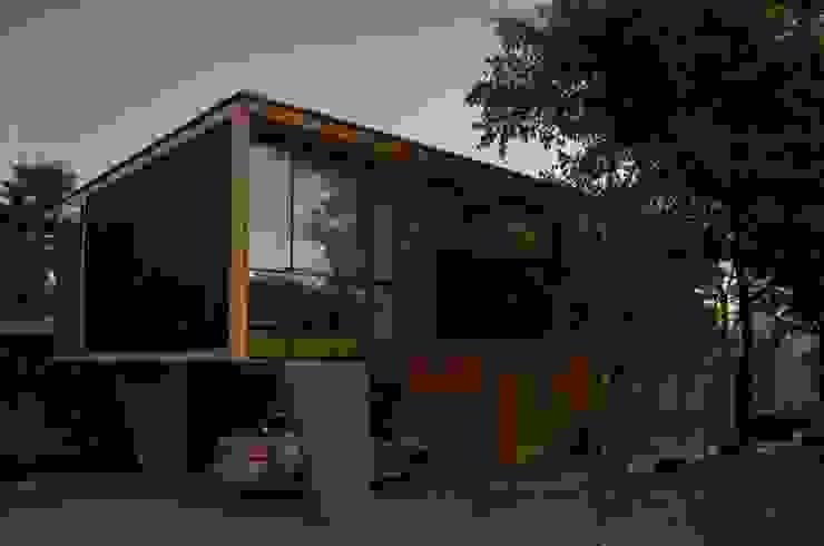 Estacionamiento homify Casas estilo moderno: ideas, arquitectura e imágenes Concreto reforzado