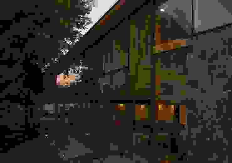 Iluminacion Casas estilo moderno: ideas, arquitectura e imágenes de PhilippeGameArquitectos Moderno Madera Acabado en madera
