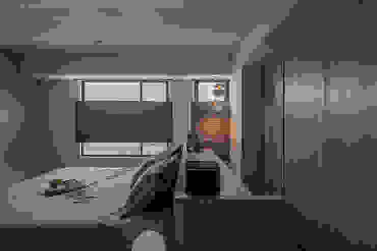 Dormitorios de estilo  de 詩賦室內設計,