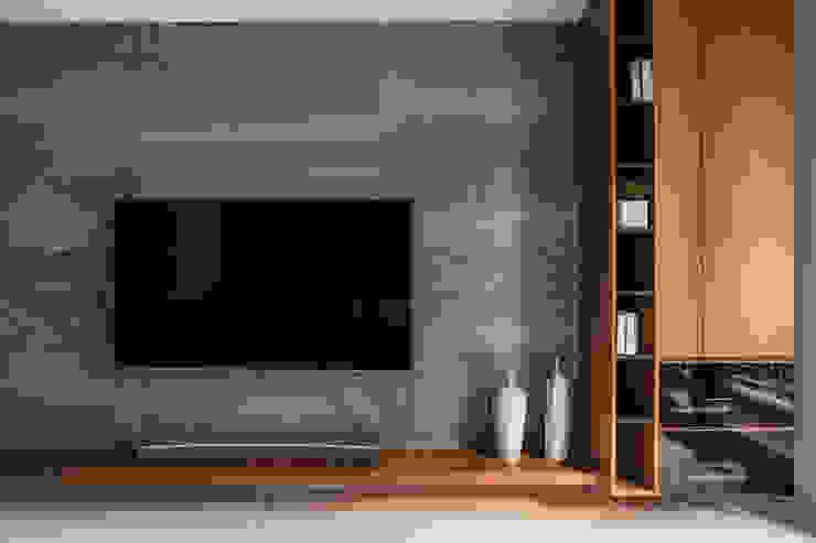 靜墨 现代客厅設計點子、靈感 & 圖片 根據 詩賦室內設計 現代風