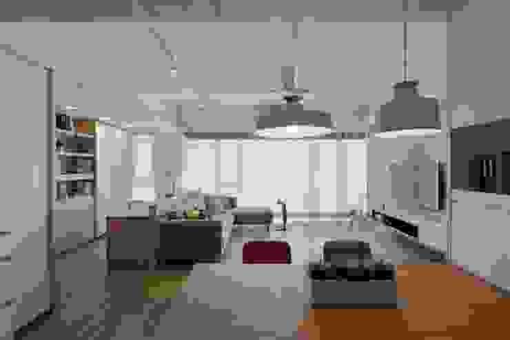 Livings de estilo escandinavo de 詩賦室內設計 Escandinavo
