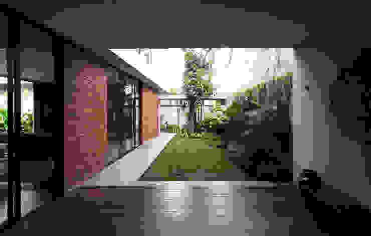 Tulodong IV WOSO Studio Taman Modern