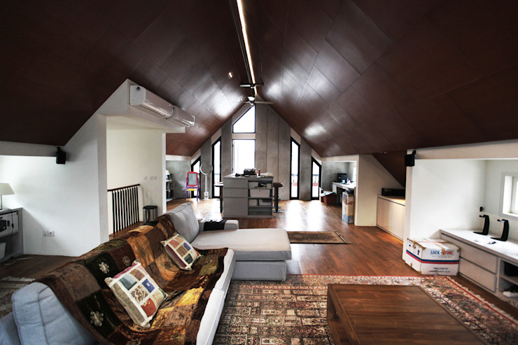 Tulodong VIII Ruang Keluarga Modern Oleh WOSO Studio Modern