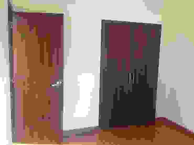 Erick Becerra Arquitecto Windows & doorsDoors Wood-Plastic Composite Wood effect