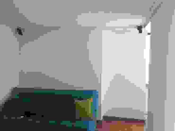 Erick Becerra Arquitecto Living roomSofas & armchairs Textile Turquoise