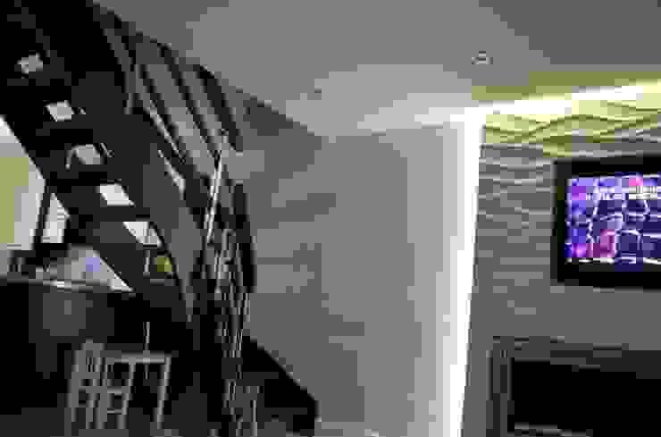 Dinding & Lantai Gaya Klasik Oleh Loft Design System Deutschland - Wandpaneele aus Bayern Klasik