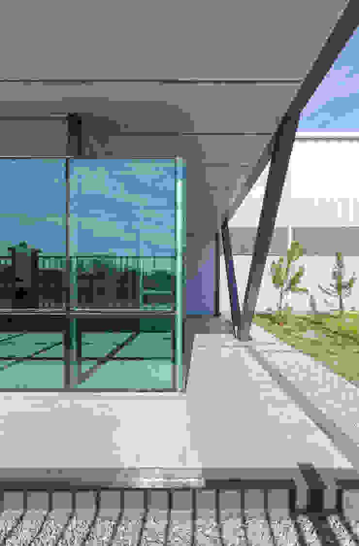 OFICINAS INDUSTRIALIZADAS - Autores: Estudio Mauricio Morra Arquitectos Oficinas y comercios de estilo industrial de Mauricio Morra Arquitectos Industrial