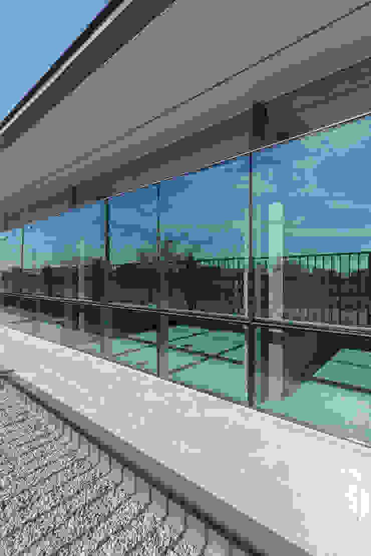 OFICINAS INDUSTRIALIZADAS - Autores: Estudio Mauricio Morra Arquitectos Oficinas y comercios de estilo moderno de Mauricio Morra Arquitectos Moderno